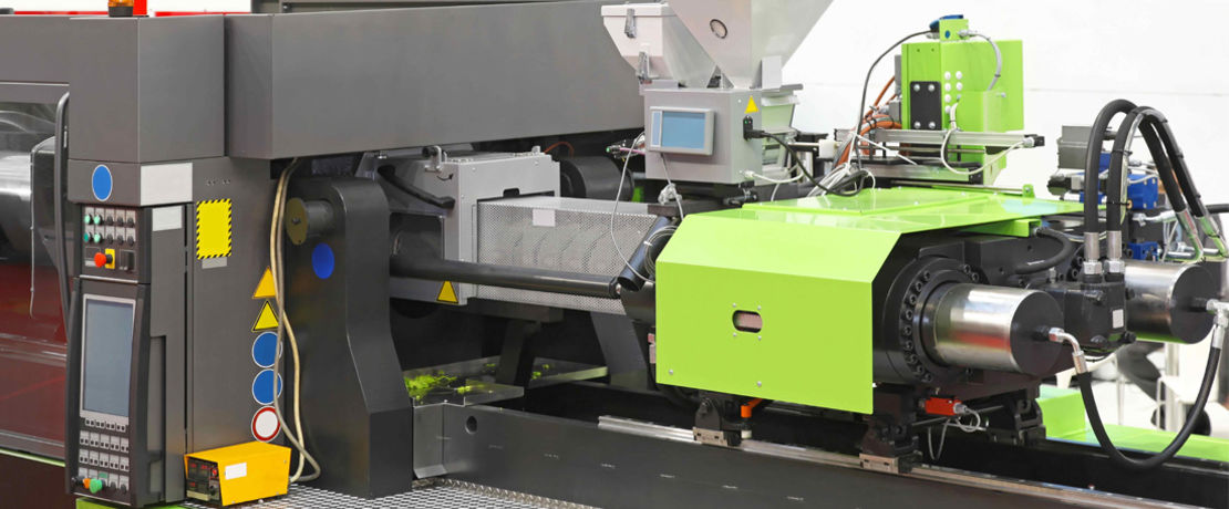 injection molding machine from the side